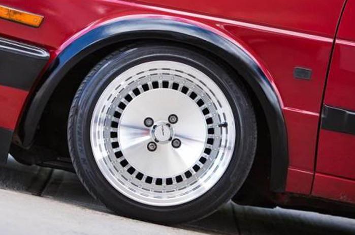 Stuttgart Wheels ST4 15x8 ET25 4x100 alu kola - celo leštěné stříbrné s límcem