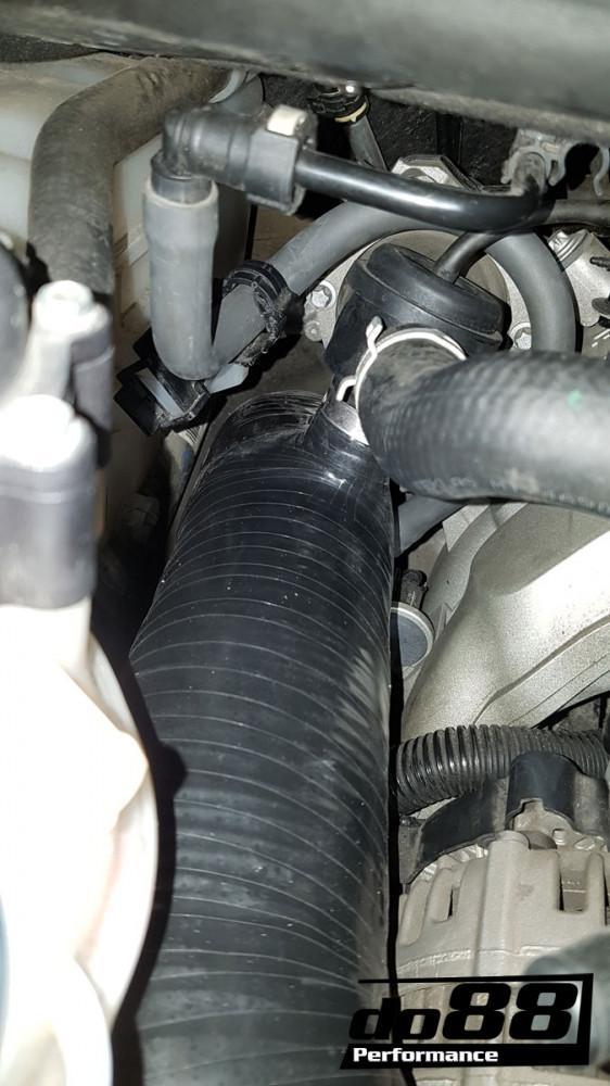 Do88 Set Silikonových hadic přívodu vzduchu k turbodmychadlům Porsche 911 997.2 Turbo & Turbo S 3,8T